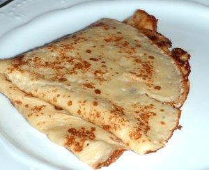 Bilde av Pannekaker, med sk melk, stekt i hard margarin.