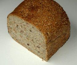 Bilde av Mesterbakeren Ett lite halvgrovt brød.
