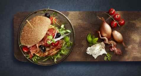 Bilde av Lofoten Perfekt grillfisk Grillburger med ost & bacon.
