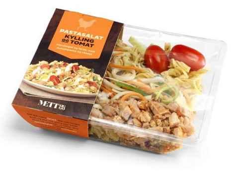 Bilde av Bama mett og go salat med pasta, kylling og tomat.