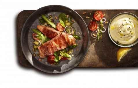 Bilde av Lofoten Perfekt Grillfisk – Laks med spansk spekeskinke.