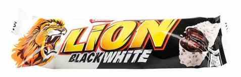 Bilde av Nestle Lion black and white 40 gr.