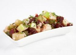 Rødbet- og potetsalat oppskrift.