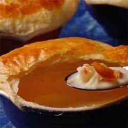 Krabbesuppe med butterdeiglokk oppskrift.