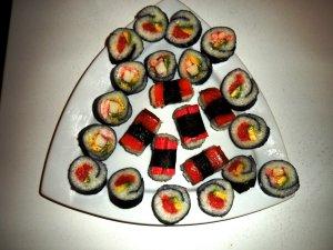 Maki med wasabi og laks oppskrift.