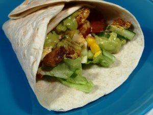 Prøv også Kyllingwraps med blandet salat, rømme, guacamole, .