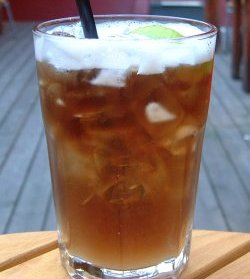 Long Island Iced Tea Originalen oppskrift.