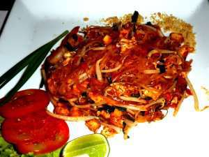 Prøv også Pad thai (stekte nudler).