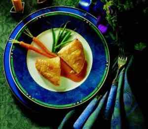 Innbakt kyllingfilet med ost og madeirasaus oppskrift.