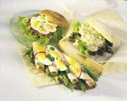 Prøv også Landbrød med egg og hvitt kjøtt.