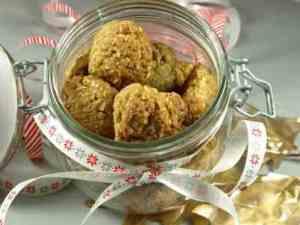 Prøv også Havremakroner med kokos.