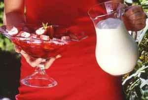 Prøv også Jordbærgelé med råkrem.