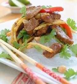Prøv også Thailandsk nudelsalat med lammefilet.