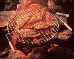 Grillede reinsdyrkoteletter oppskrift.