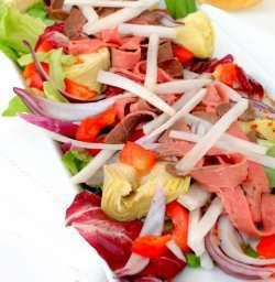 Prøv også Roastbiffsalat med paprika og artisjokker.