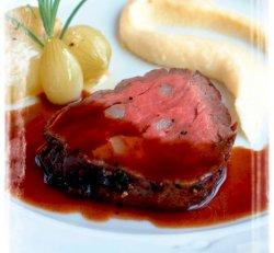 Oksefilet med saus Bourgogne, pastinakkrem og glas oppskrift.