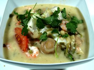 Prøv også Tom Yum Talay (Thailandsk sjøsuppe).