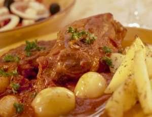Prøv også Lammestuing med tomat - Moshari Stiffado.