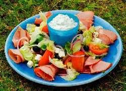 Prøv også Badsturøkt lammelår med gresk salat.