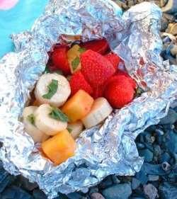 Jordbær, banan og ananas i folie oppskrift.