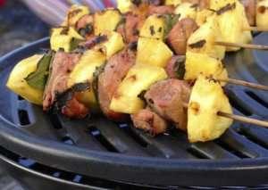 Bilde av Grillspyd med nakkekotelett og ananas.
