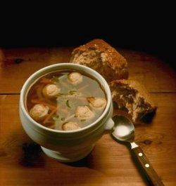 Prøv også Grønnsaksuppe med kjøttboller.