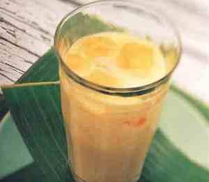 Prøv også Mangolassie  indisk yoghurtdrikk (mango lassi).