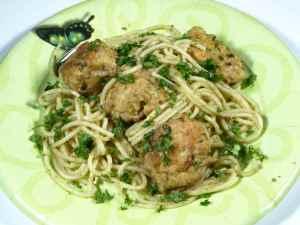Prøv også Spagetti med kjøttboller og pesto.
