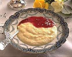 Semolina porridge (semulegrøt).