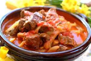 Lammekjøtt med fennikel og tomat oppskrift.