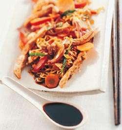 Prøv også Wok med marinert svinekjøtt og nudler.