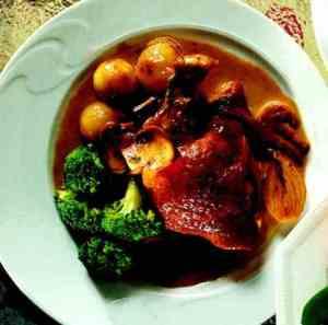 Les mer om Marinert kylling med fløtesaus hos oss.