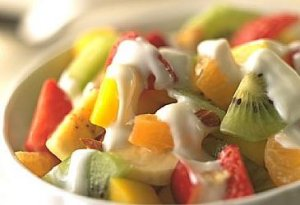 Fruktsalat med Yoghurt oppskrift.