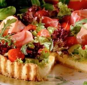 Prøv også Ostepai med salat.