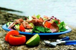 Prøv også Roastbiffsalat med dressing av koriander og chilli.