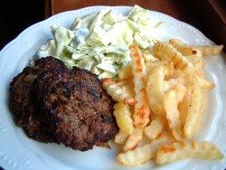 Prøv også Hjemmelagd hamburger med pommes frites.