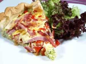 Prøv også Quiche Lorraine (Fransk ost og skinke pai ).