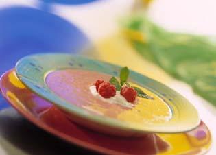 Sommersuppe med bær oppskrift.