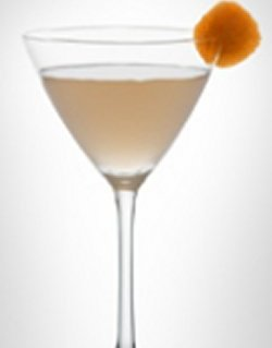 Bilde av LEVEL Martini with ruby grapefruit.