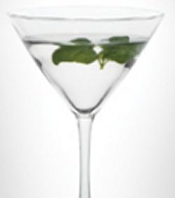 LEVEL Basil Martini oppskrift.