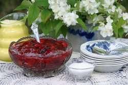 Prøv også Bærgrøt med råkrem.