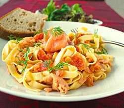 Prøv også Tagliatelle med røkelaks i kremet tomatsaus 1.