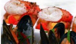 Prøv også Peppergrillet kongekrabbe med blåskjell og salsa fresca.