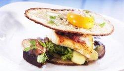 "Prøv også Norsk Kveite ""steaksandwich"" med syltet sopp og rødbeter."