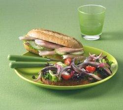 Matjessild med middelhavssalat oppskrift.