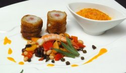 Prøv også Potetstekt sei med salami, Bouillabaisse- vinaigrette og bønnesalsa.