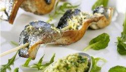 Prøv også Spyd med Norsk Sild, relish med grønne oliven og baby salat.