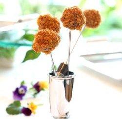 Prøv også Cornflakespanerte kyllingboller med gåselever.
