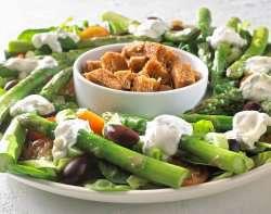 Prøv også Salat med aspages og krutonger.