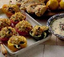 Les mer om Fylte tomater og paprika hos oss.